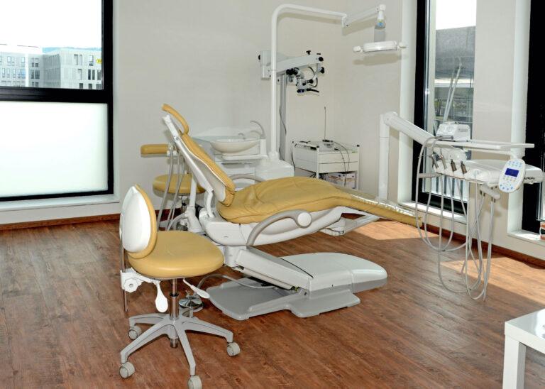 Zahnarztpraxis Dr Johannes Thuis